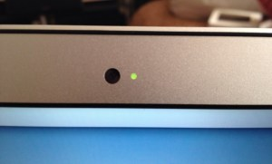 macbook-air-webcam-indicator