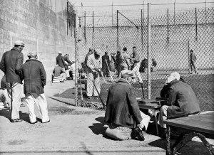 alcatraz-inmates-rec-yard